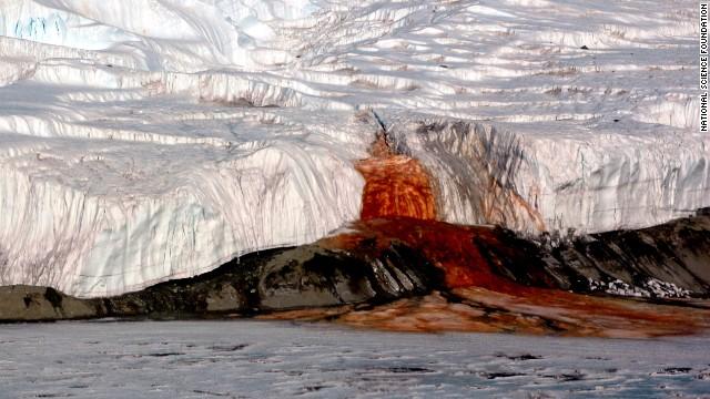 آبشار خون ، قطب جنوب - تصاویر جاهای عجیب دنیا