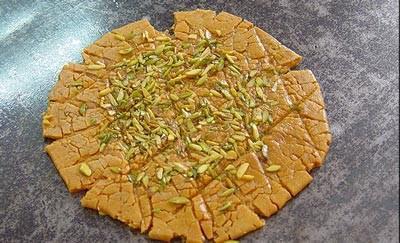 سوهان، یکی از خوشمزه ترین سوغاتی تهران