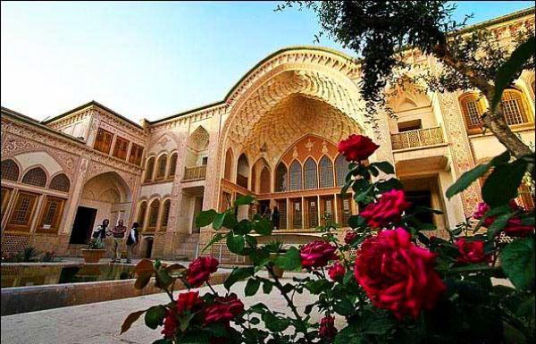 کاشان؛ مقصدی مناسب برای سفر کم هزینه در ایران