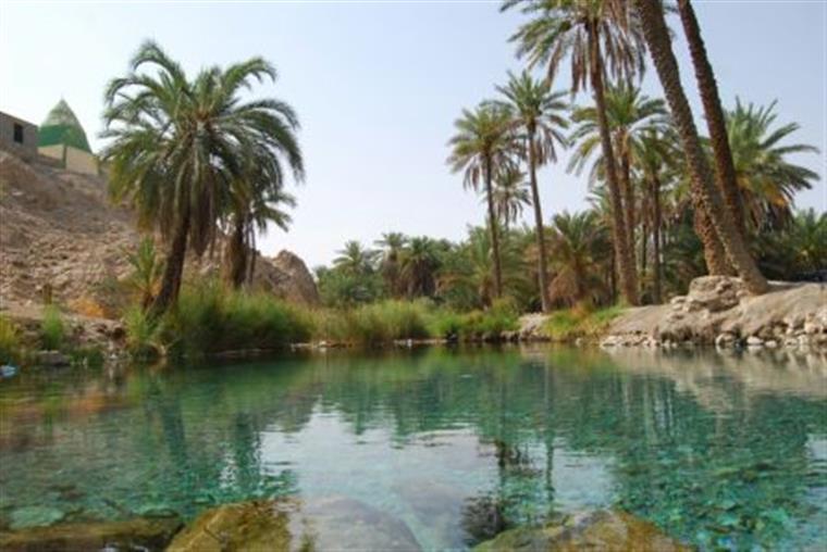 چشمه دمدمی مزاج استان هرمزگان را حتما ببینید + تصاویر کامل