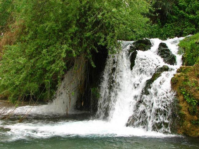 سفری شگفت انگیز به آبشارهای سهگانهی آرپناه