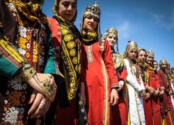 راهنمای سفر به بندر ترکمن, بهترین زمان و مسیر + عکس