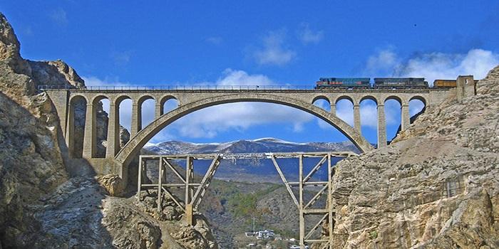 پل ورسک در کجا واقع شده