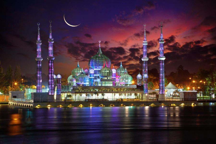مسجد کریستالی از زیباترین مساجد دنیا عکس