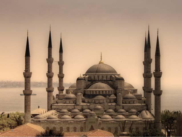 برخی به مسجد سلیمیه لقب زیباترین مسجد جهان را داده اند.