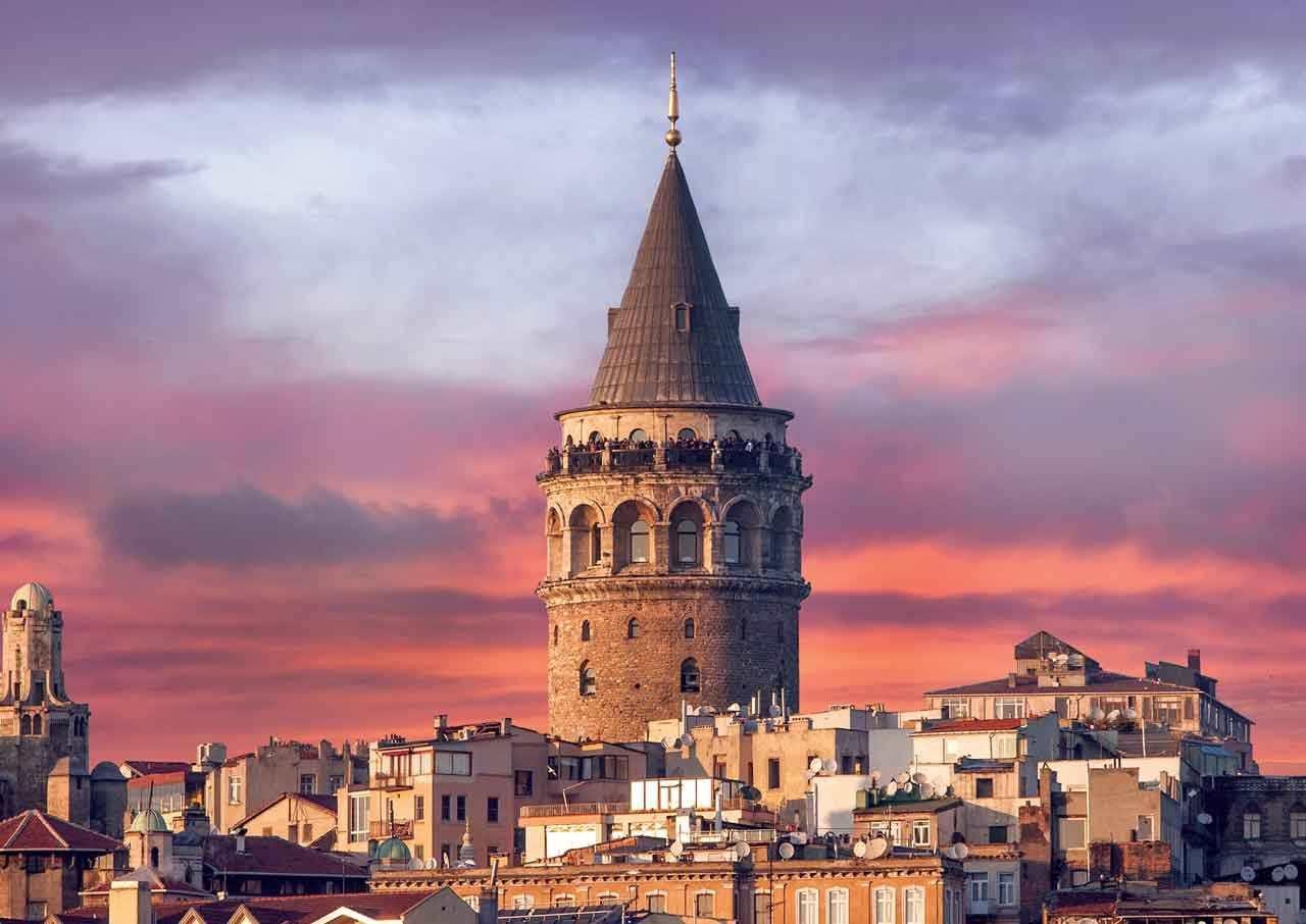 برج گالاتا یکی از جاهای دیدنی استانبول در ترکیه
