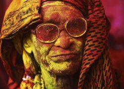 عکس هایی فوق العاده از جشنواره رنگها در کشور هندوستان