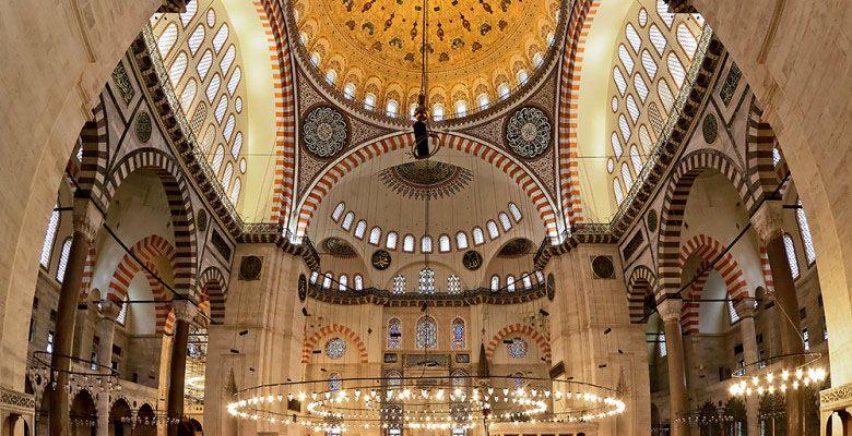 مسجد سلیمانیه از جاهای دیدنی استانبول در ترکیه