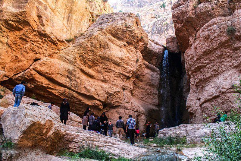 آبشار حمید یکی از جاذبه های گردشگری بجنورد + عکس