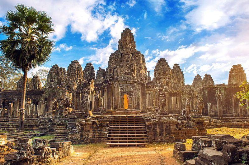 انگکوروات کامبوج یکی از معروف ترین معابد جهان و مکانهای مقدس دنیا