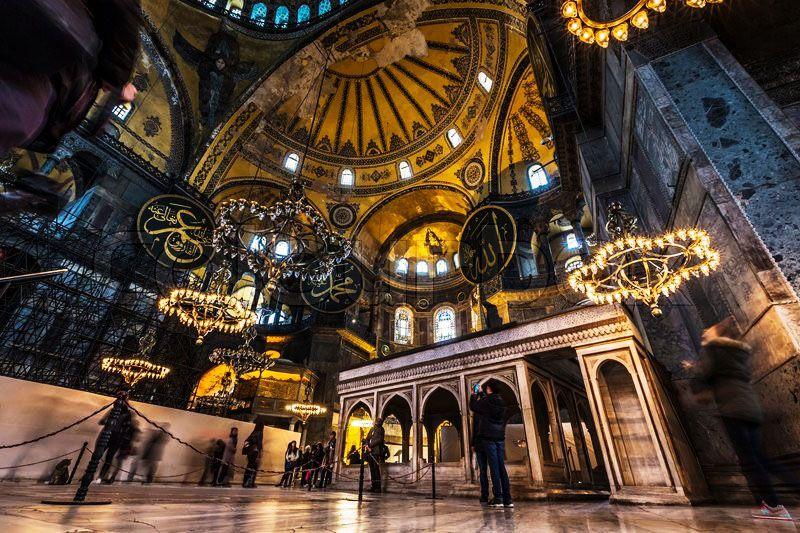 ایاصوفیه ترکیه به عنوان یکی از معروف ترین اماکن مقدس جهان و مکان های مقدس مسلمانان
