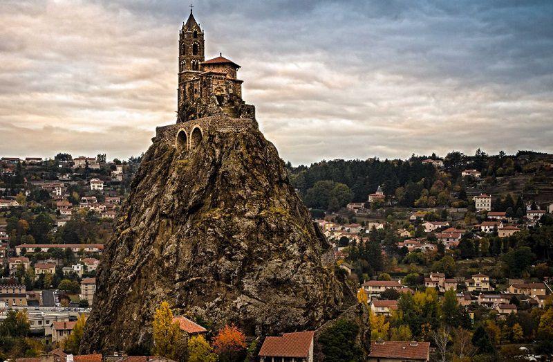 نام سنت میشل د ایگوهه چاپل در فرانسه همواره در زمره نام مکان های مقدس و معابد زیبای جهان یاد می شود