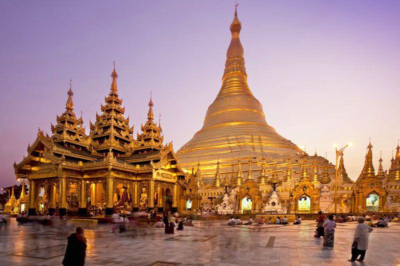 شوداگون پاگودا در میانمار یکی از اماکن مذهبی جهان و معابد معروف جهان یاد می شود.