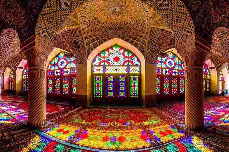 مسجد نصیرالملک یکی از مکان های مذهبی شهر شیراز