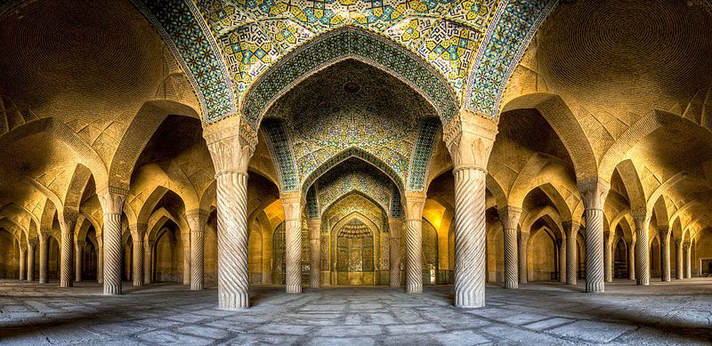 مسجد وکیل یکی از معروف ترین ها در میان اسامی مساجد شیراز