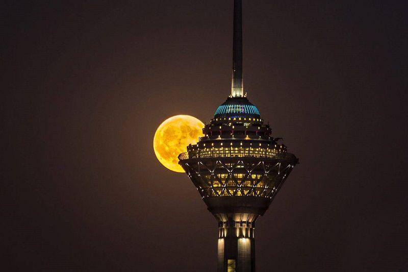 برج میلاد از زیباترین دیدنی های تهران