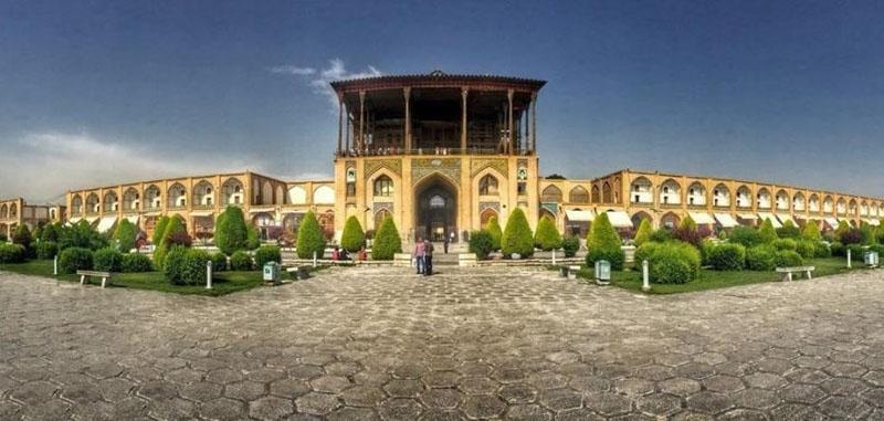 عالی قاپو اصفهان: تاریخچه و معماری بی نظیرش + عکس