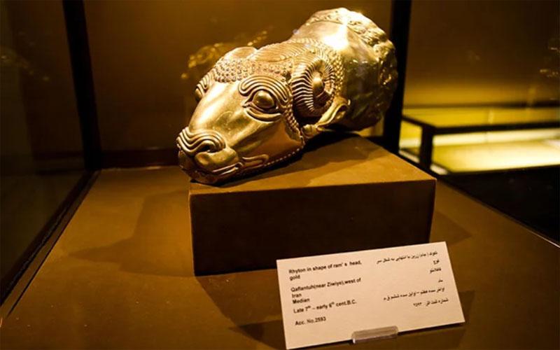 موزه رضاعباسی از جمله مکان های دیدنی تهران