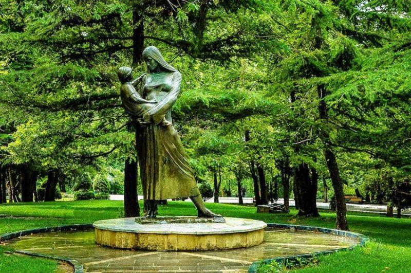 مجسمه های پارک ملت؛ از زیباترین جاهای دیدنی تهران