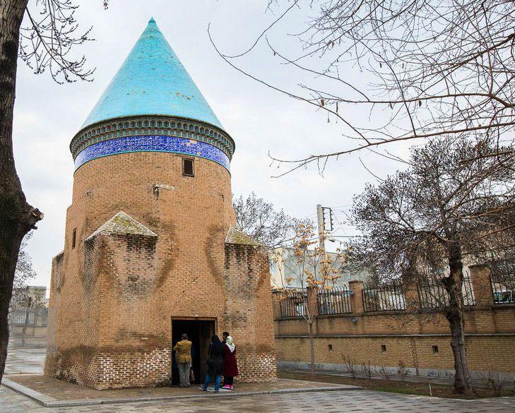 آرامگاه عبدالله مستوفی از جاهای دیدنی قزوین همراه با عکس