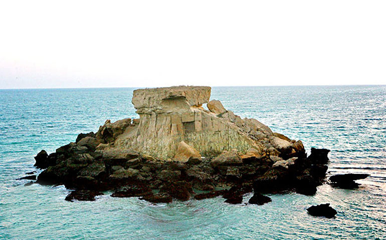 جاذبه های گردشگری قشم جزیره ناز