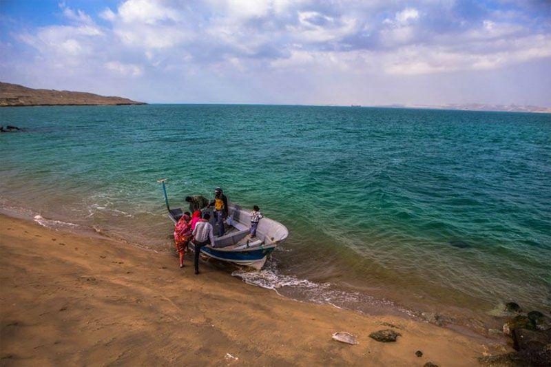 جزیره هنگام از جاذبه های گردشگری قشم عکس