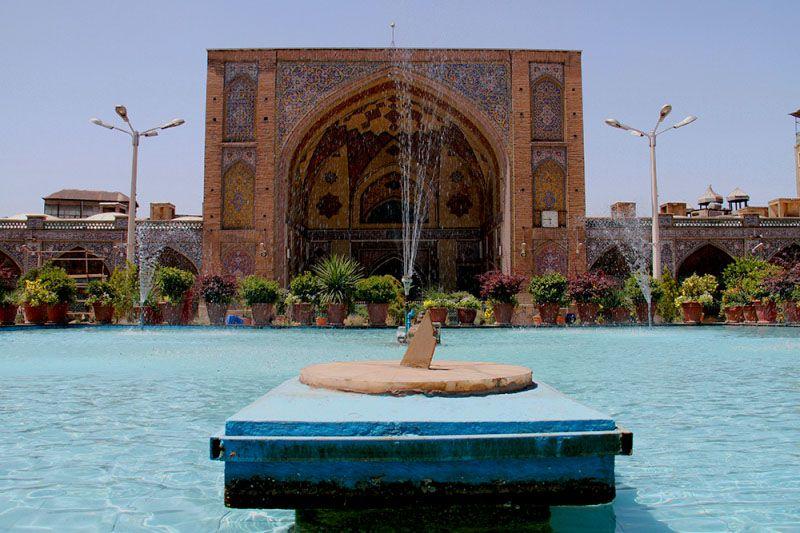 مسجد جامع بازار تهران آدرس: 15 خرداد، روبروی ناصرخسرو