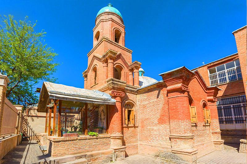 کلیسای کانتور از مناطق ديدني قزوين