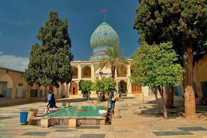 آستان مقدس علی بن حمزه از دیدنی های شیراز با عکس
