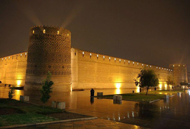 ارگ کریم خان یکی از جاهای دیدنی شیراز در شب