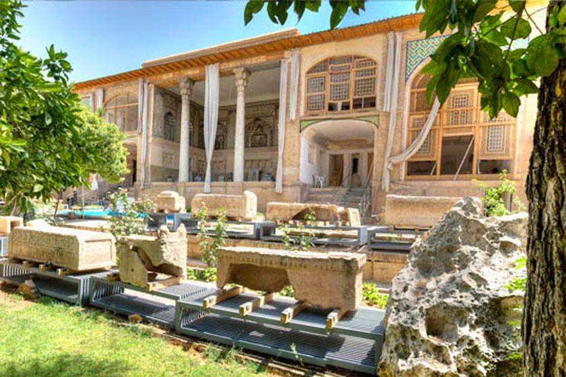 هنگام مسافرت به شیراز در نوروز به باغ هفت تنان سری بزنید.