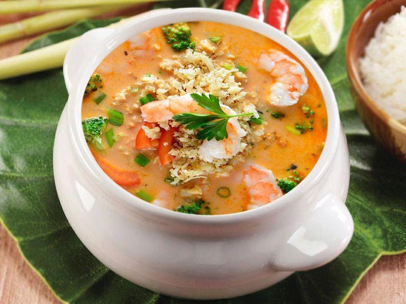 تام یانگ گونگ از غذاهای تایلندی در پوکت