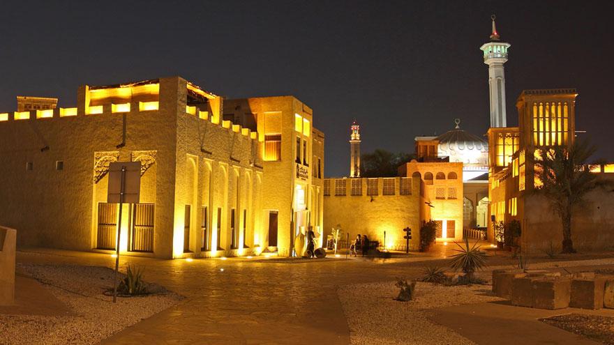 خانه شیخ مکتوم را در سفر به دبی با ماشین شخصی حتما ببینید.