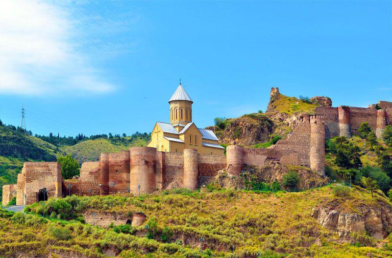 قلعهی ناریکالا (Narikala) (راهنماي سفر زميني به گرجستان)