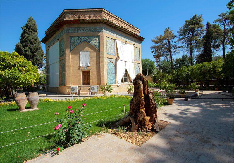 موزه پارس از دیدنیهای شیراز با تصویر