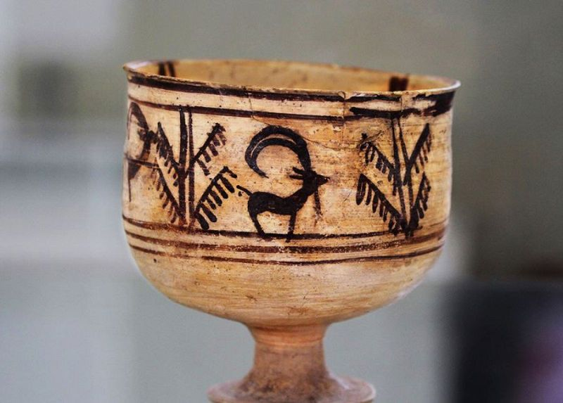 جام بسیار قدیمی در شهرسوخته زابل