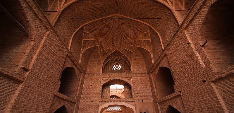 قدمت مسجد جامع اردستان اصفهان بسیار زیاد است.