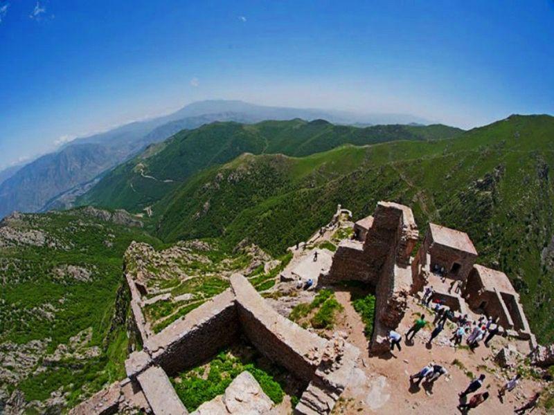 قلعه بابک در کجا قرار دارد