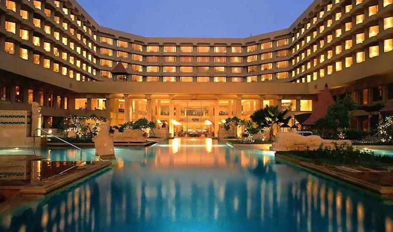 برای کاهش هزینه سفر به بمبئی هتلی ارزان پیدا کنید.