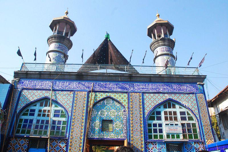 مغول مسجد در خاطرات سفر به بمبئی ثبت می شود.